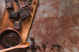 csokoládé az asztalon
