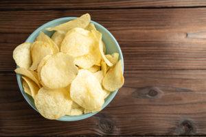egy tál burgonya chips